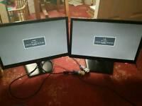 """Dual Monitors 2 x LG 19EN33SA 19"""""""