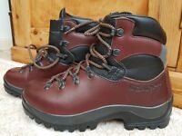 Scarpa SL Active Walking Boots Size 39 (5.5 - 6 UK). Top of the range. Fab cond. Worn twice.