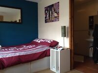 Room with ensuite bathroom in Cowley £650 pcm inclusive