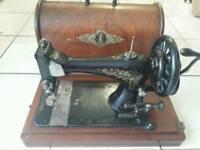 Vintage 1900s Singer Sewing machine