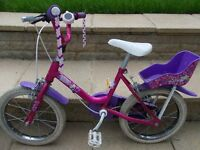 Girls bike. 14 inch wheels. Very little used. Come and try.