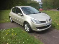 Lovely we 1.6 Renault Clio it's 2007 with low miles two keys leather nice