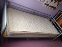 'Daybed' style single bed for sale