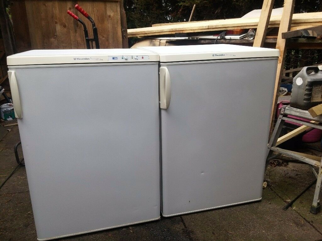 Fridge and Freezer ( REDUCED PRICE..... NOW £50 FOR THE PAIR )