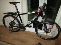 Scott Scale 630 full carbon hardtail mountain bike, frame size large in very good condition.