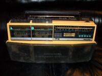 Philips D 8304 portable tape player / radio tuner