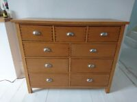 Oakland 9 chest of drawers