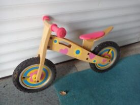 Trainer balance bike