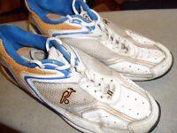 Kookaburra Cricket Shoes Indoor/rubber sole, Size 8