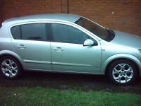astra 1.6 . 5 door good history , runs well 1yr mot and a warranty £1695
