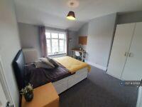 4 bedroom house in Mafeking Road, Brighton, BN2 (4 bed) (#971184)