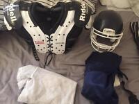 Rawlings Helmet + Riddell Warrior 3 American Football Pads