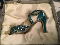 Leonardo decorative shoe ornament