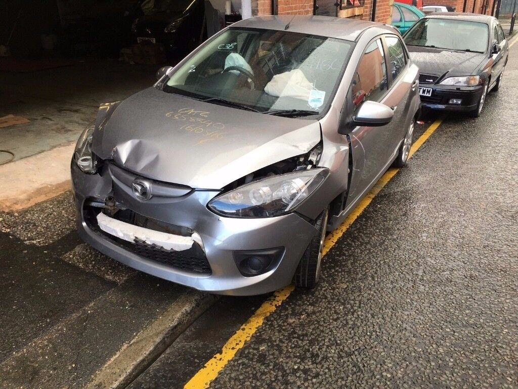 MAZDA 2 TAMURA DAMAGED SALVAGE BREAKING 2010 - 2015