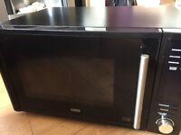 DeLonghi 900w Microwave combi Oven