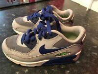 Boys Nike Air Trainers. SIZE UK 11
