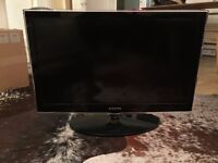 """Samsung 32"""" HD ready LED TV and Remote Control - Dalston - Excellent Condition"""