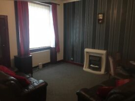 Furnished 1 bed front and back door ground floor flat