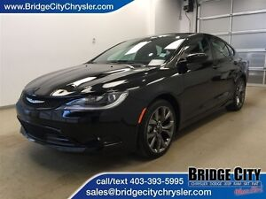 2015 Chrysler 200 S AWD- Leather, Heated Seats, Sunroof