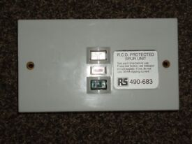 NEW 30 mA RCD PROTECTED SPUR UNIT 220/250 VOLT 13 AMP 30mA TRIPPING CURRENT 2 GANG SIZE