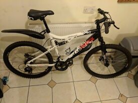 Apollo paradox men's mountain bike large withud guards