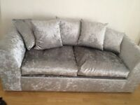 Low deposit new sofa and furnishings studio to let