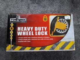 Heavy duty wheel clamp