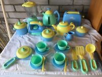 Kitchen and crockery set from Pretend Play in perfect condition