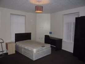 Rooms to let in Big house