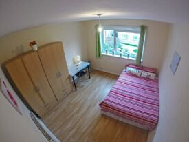 Double bedroom, AVAILABLE right NOW! BOW ROAD, Cheap Low Deposit!