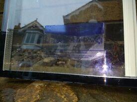 Double glazing glass units