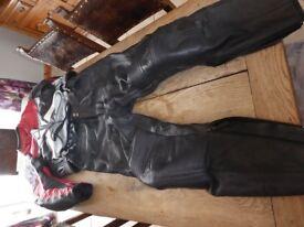 Revitt two piece leathers