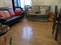 GREAT DEAL! INC SOME BILLS! SUPERB 2 BEDROOM GARDEN FLAT NEAR ZONE 2/3 TUBE, 24 HOUR BUSES & SHOPS