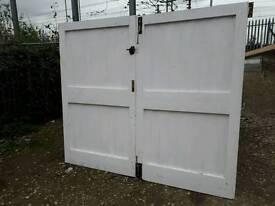 Garage doors 92.5'' wide x 79.5'' high. Pickup DN1