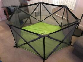 Pop and play playpen