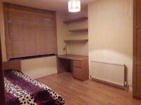 A LARGE SINGLE ROOM AVAILABLE IN VEGAN/ VEGETARIAN HOUSE IN BARKING, EAST LONDON