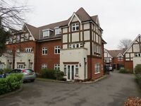 REIGATE - Superb 2 double bed ground floor flat