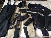 Men's size medium 5 Seasons Ski Jacket, 2 x Salopettes + base layer, socks and gloves. £75 the lot
