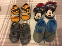Toddlers shoes size 4