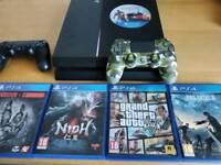 PS4 500gb + controllers + games