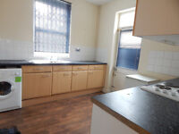 Large 1 bedroom flat available just off London Road next to victoria Park.