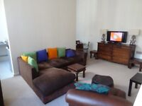 Beautiful 2 Bedroom 2 Bathroom City Centre Apartment in historic Albany Building