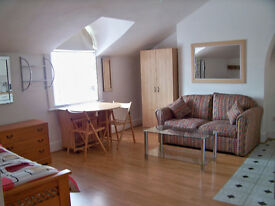 Self Contained Studio for Professional All Bills & Council Tax included LEWISHAM SE136HN ZONE 2/3