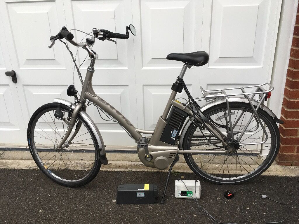 Giant Lafree Twist Bike With Two Batteries In Exmouth