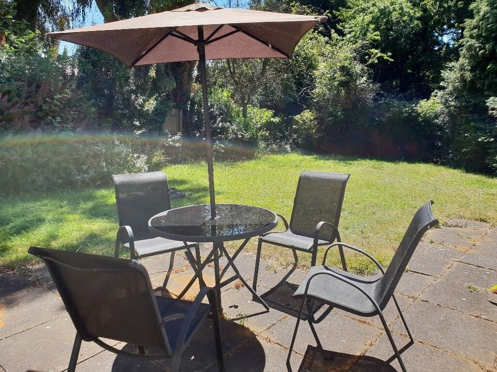 Andorra Metal 4 Seater Round Garden Furniture Set In