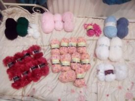 Joblot of knitting items.. Wool, needles, patterns etc..