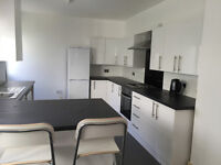 Rooms to rent in stunning newly renovated house - ideal for Uni students in very convenient location