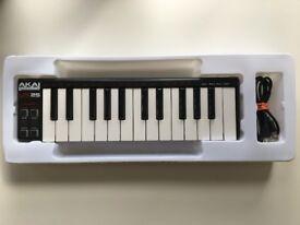 AKAI Professional LPK25 25-Key Portable USB Keyboard