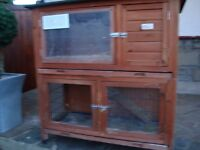 2 TIER RABBIT HUTCH WITH RABBIT RUN AND RAMP FELT ROOF 2 REMOVABLE DRAWES FOR CLEANING ONLY £25