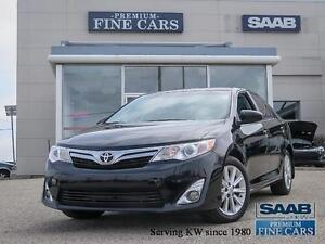 2014 Toyota Camry XLE  ACCIDENT FREE Navi/P. Sunroof/Leather
